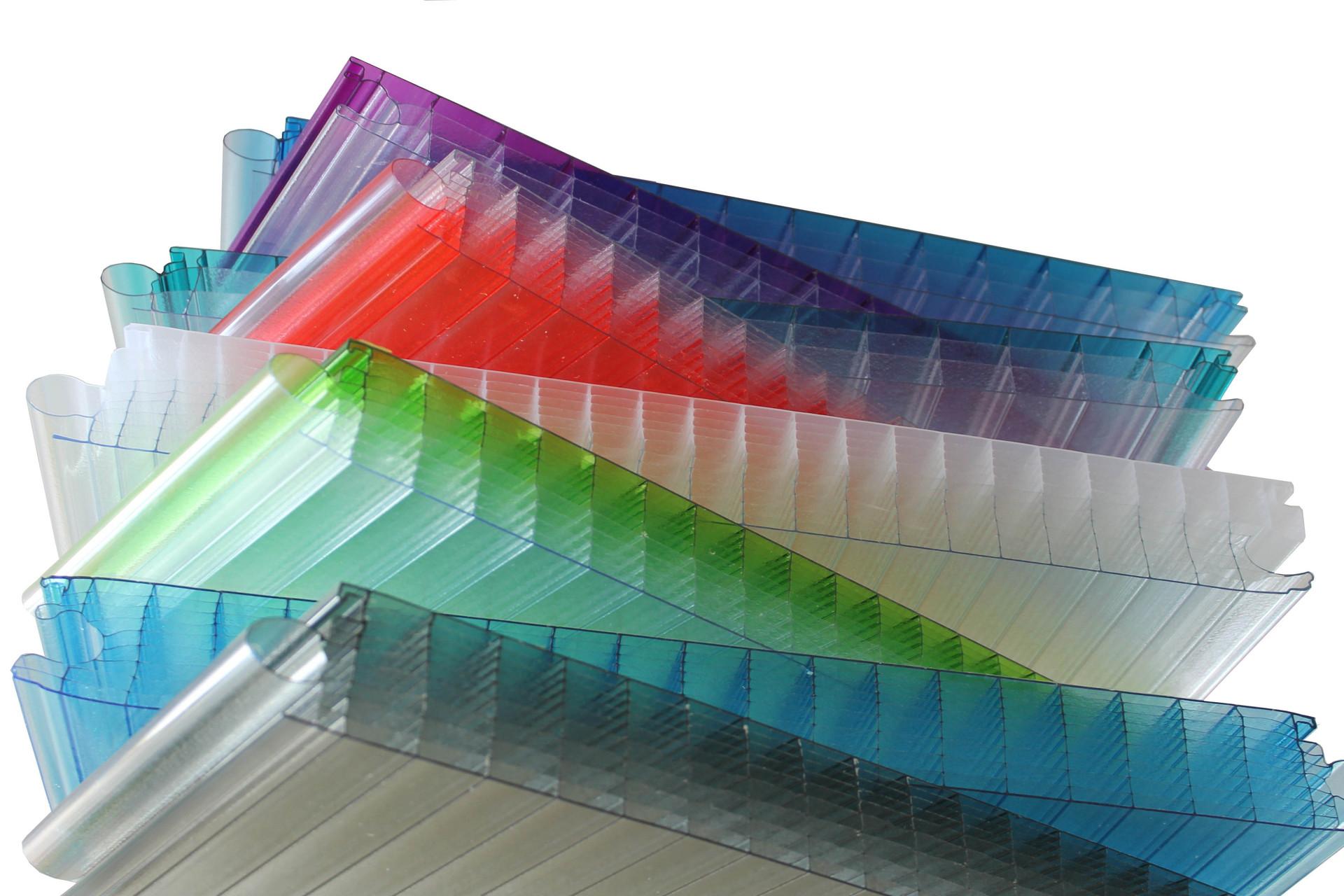 tấm nhựa lấy sáng trên thị trường