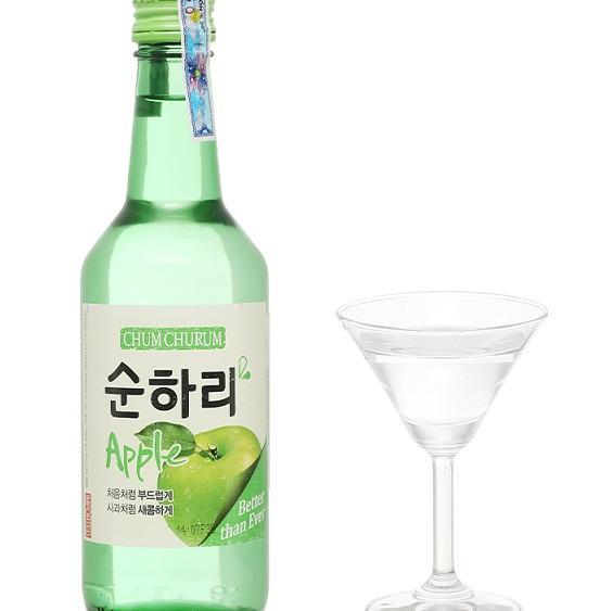 Rượu Soju Chum Churum hương táo (360ml)
