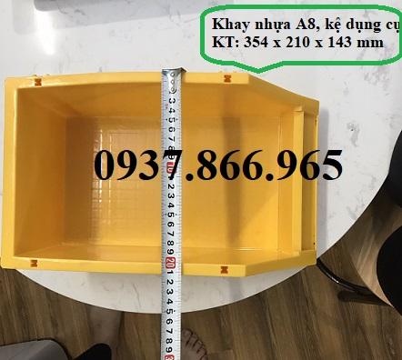 Kệ nhựa A8, bán khay nhựa đựng ốc vít trong cửa hàng  bán hàng cơ khí,ke nhua